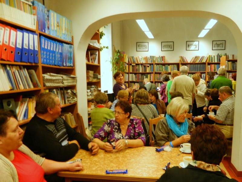 11.10.2014. Goście z Wągrowca w bibliotece