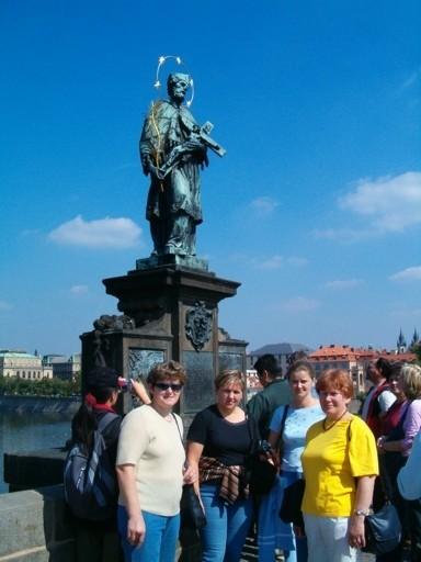 Przed św. Janem Nepomucenem na Moście Karola