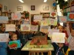Przedszkolaki z Opatówka ze swoimi rysunkami
