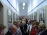 W czasie otwarcia wystawy w bibliotece