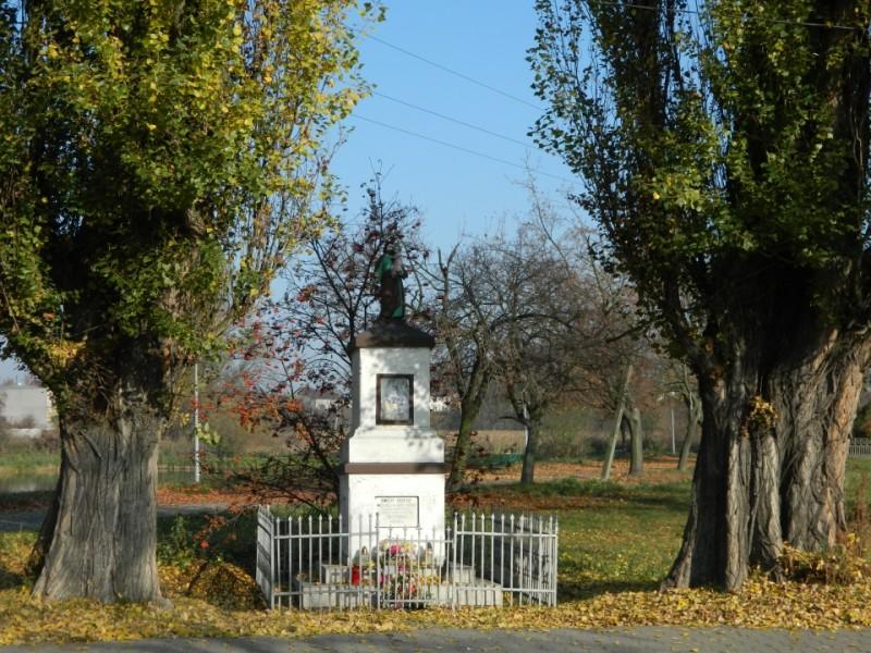 Figura św. Józefa w Opatówku