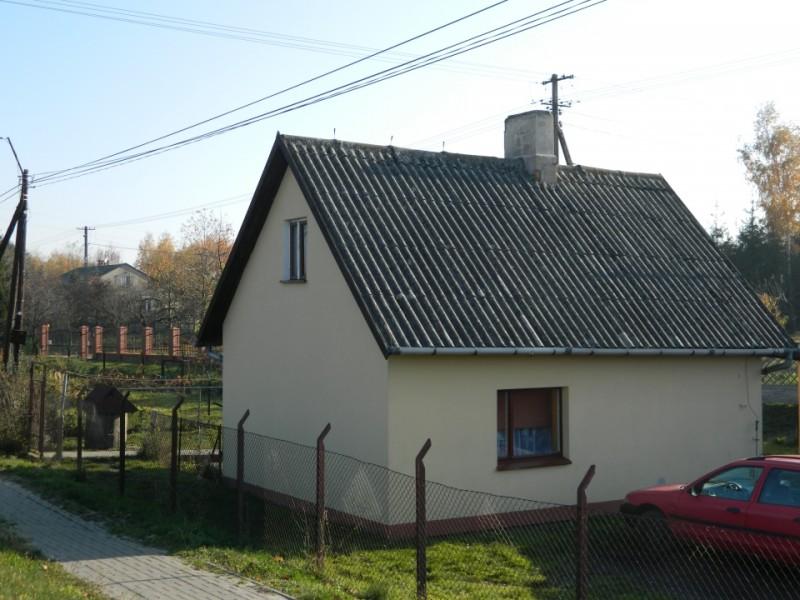 Zabytkowy domek dróżnika w Józefowie