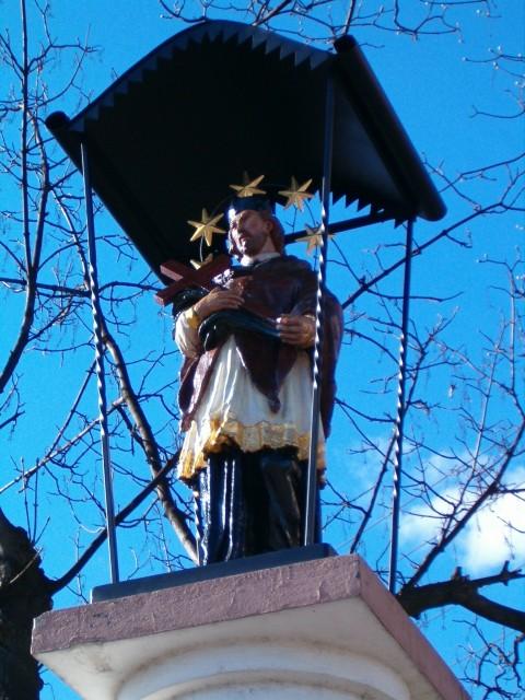 Kopia barokowej figury św. Jana nepomucena przy ul. Św. Jana. Fot. J. miluśka-Stasiak