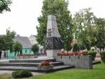 Pomink ofiar II wojny światowej na Placu Wolności w Opatówku. Fot. D. Buncler