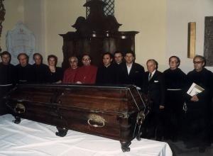 Uczestnicy rekognicji szczątków bł. Rafała Chylińskiego (czwarta od lewej: Maryla Janowska z d. Skiba)